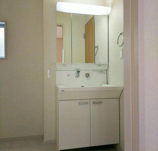 お掃除のしやすい洗面台(風呂)